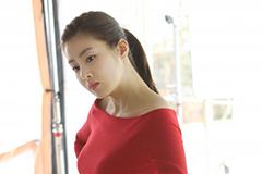 姜素拉:完美侧颜女神