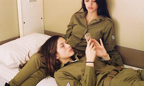 以色列女兵颜值爆表 身材高挑似超模