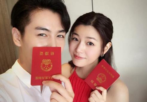 小龙女嫁了!陈晓生日当天与陈妍希领证结婚