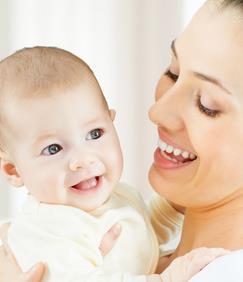 经常拥抱会让宝宝更加聪明健康