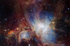 天文望远镜拍摄猎户座星云:色彩斑斓丰富