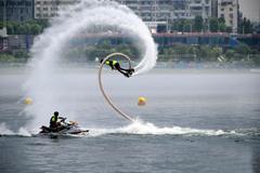 中国摩托艇联赛水上飞人浪尖起舞