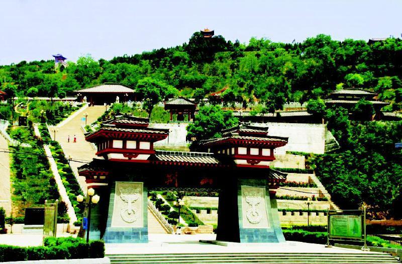 灵台县西周墓结构图