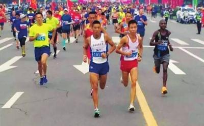 2016金昌国际马拉松赛昨日开跑 甘肃省运动健将获奖(图)