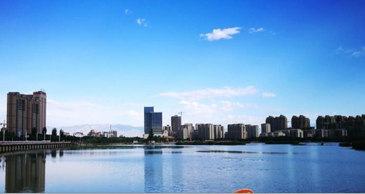 夏季银川天蓝水绿美如画