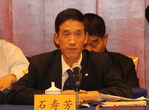 甘肃生态屏障建设情况联组审议专题询问会 全国人大代表石寿芳提问