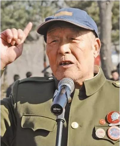矢志不渝跟党走(听老红军讲长征故事)