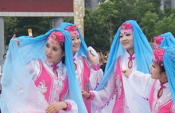 甘肃临夏积石山县保安族文化有了新的记录工具