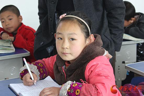 中国甘肃网 甘肃新闻 本网原创    魏璇老师说,薛乐乐的衣服虽然新的