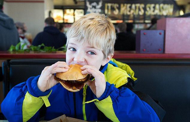 美快餐店推出鹿肉汉堡受追捧 30分钟内售罄(图)