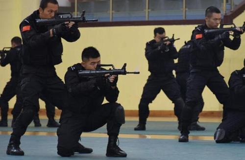 探访武察实战训练基地 装备高精尖
