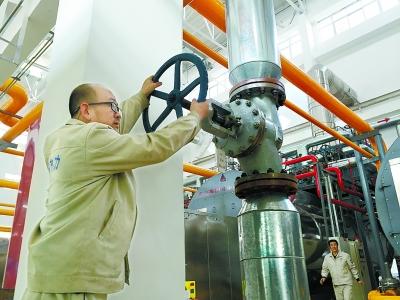 """定西陇西县质量技术监督局""""体检""""压力表 确保供暖安全"""