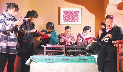 甘肃白银会宁县组织非物质文化遗产传承人进行艺术交流(图)
