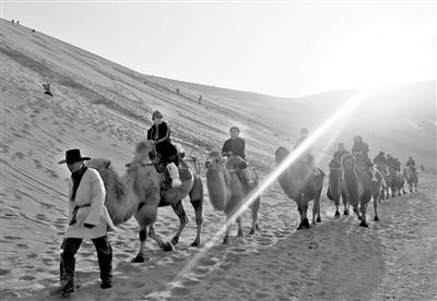 2016年11月至2017年4月底甘肃人免费游览敦煌三大景区