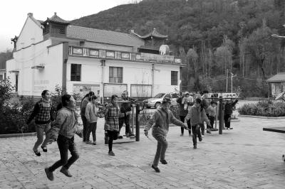 平凉泾川县农村面貌发生巨大变化