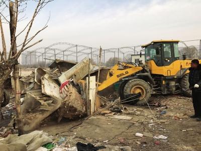 兰州雁滩又有6家无证废品站被取缔 拆除面积达800平方米(图)
