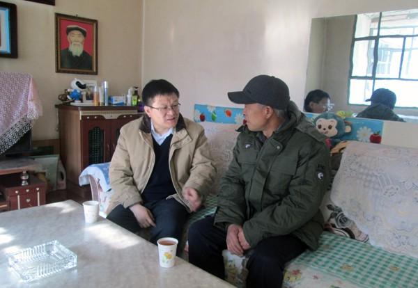 刘昌林在武威古浪黄羊川慰问困难群众(图)