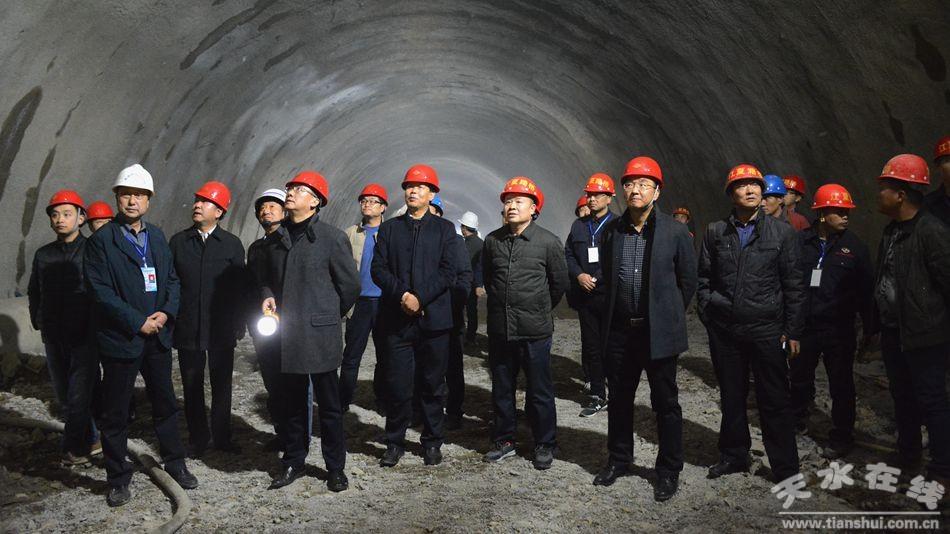 甘肃省交通厅检查天水市公路工程建设项目等情况(图)