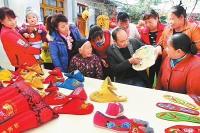 临夏州积石山县手工刺绣带动农民增收