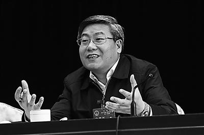 【兰州两会】李荣灿表示:三种干部将受到惩罚、付出代价(图)