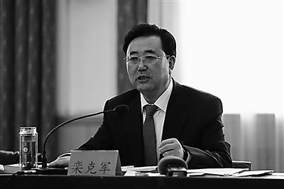 【兰州两会】栾克军表示:优化教育资源均衡发展教育事业
