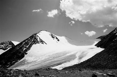 """【专访】""""地理学诺贝尔奖""""获得者姚檀栋:冰川就是我一生的命运"""