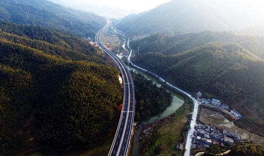 江西12条高速建成通车