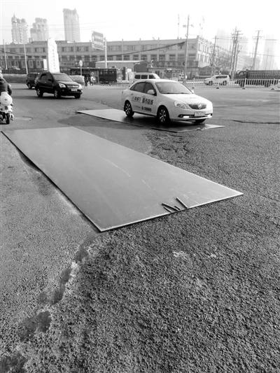 兰州雁园路什字钢板哐当响附近居民难安眠