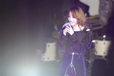 兰州昨晚举行跨年演唱会 张韶涵魏晨庞龙等献唱