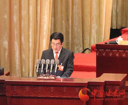 甘肃省省长林铎作省人民政府工作报告。
