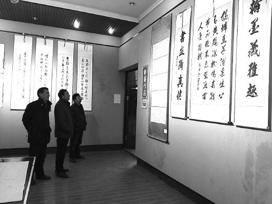 天水:三阳川八人书画展在市文化馆开展(图)
