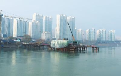 临夏永靖县刘家峡太极大桥建设有序推进(图)
