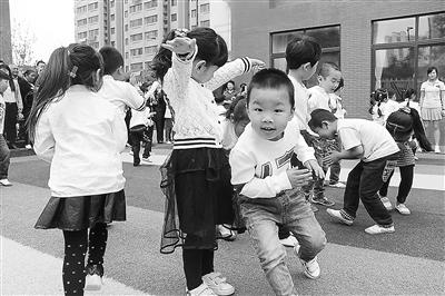 甘肃省今年出台住宅区配套幼儿园指导意见(图)