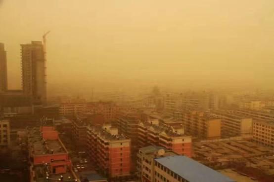 冷空气来袭 金昌出现今年首场大风扬沙天气(图)
