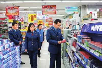 临近春节 庆阳华池县工商局加大市场检查力度(图)