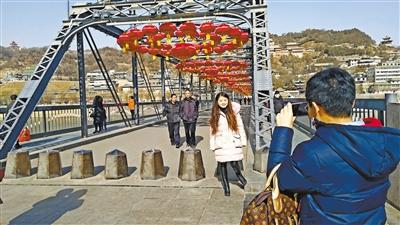 兰州城事映像丨我和铁桥合个影