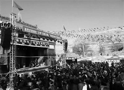 甘肃家乡的年味是红红的社火舞起来 怀念那些年俗文化