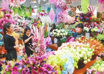 春节临近 兰州市各类节日装饰用品走俏市场(图)