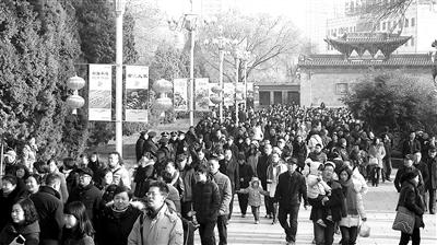 """温暖中国丨传统春节 透出浓浓新""""年味"""""""