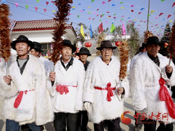 网络媒体走转改 | 甘肃永靖社火闹新春 传承陇原非遗文化(图)