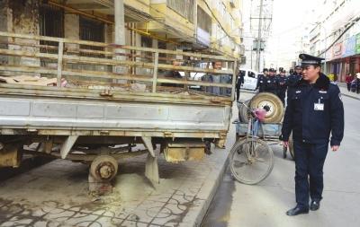 兰州七里河区:查处占道经营 清理违法广告 规范停放车辆