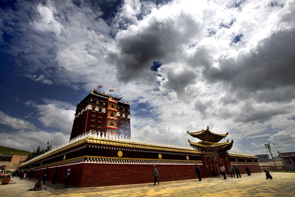 甘南依托境内资源发展旅游产业 去年旅游人数突破千万人次