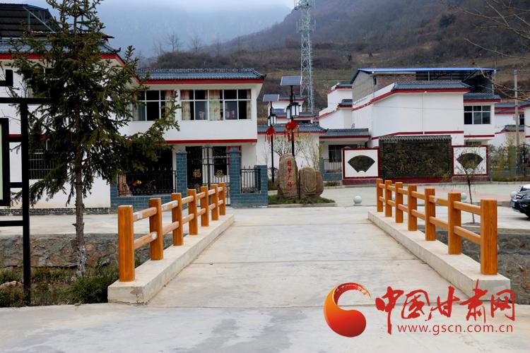陇南市文县精准扶贫变化大 美丽乡村面貌日新月异