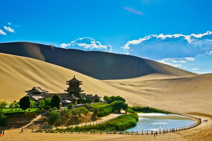 去年1.9亿人游甘肃 旅游综合收入1220亿