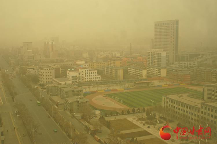 甘肃河西走廊遭遇大风扬沙天气(组图)