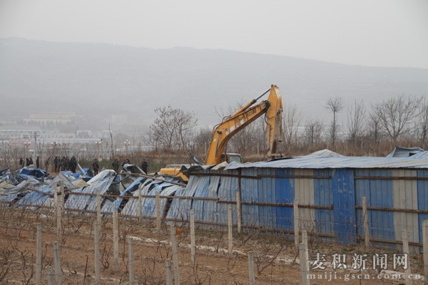 天水麦积区依法拆除花牛镇城市建设规划区域违法建筑(图)