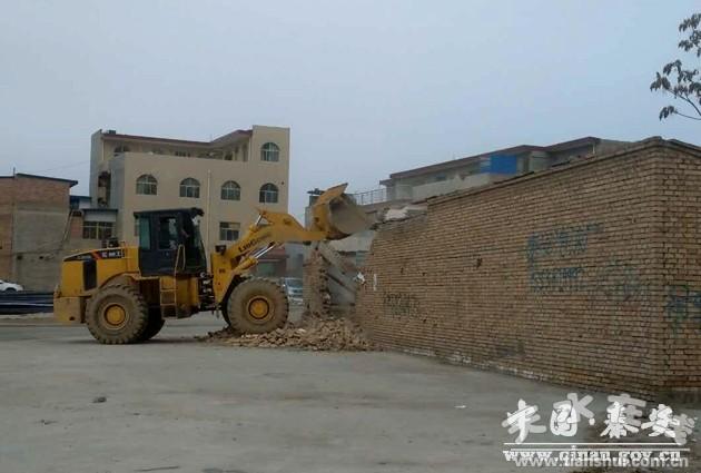 天水秦安县依法强制拆除志坚养殖场(图)