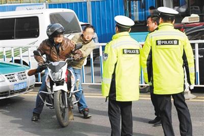 兰州市七里河交警大队集中开展摩托车专项整治行动