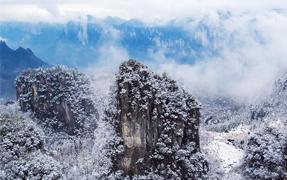 雪后恩施大峡谷雪润峡谷如水墨