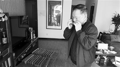 """""""西北口琴王"""" 傅豪久:把小乐器推上大舞台(图)图片"""